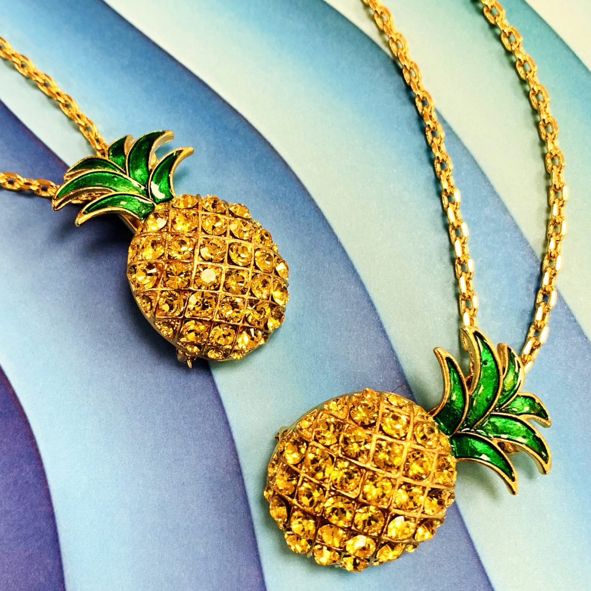 Broche - colliers Pineapple packshot décors